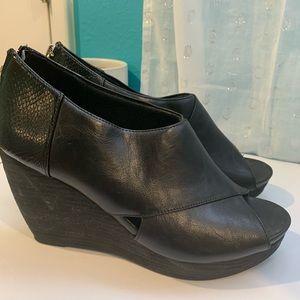 Dr. Scholl's platform shoes
